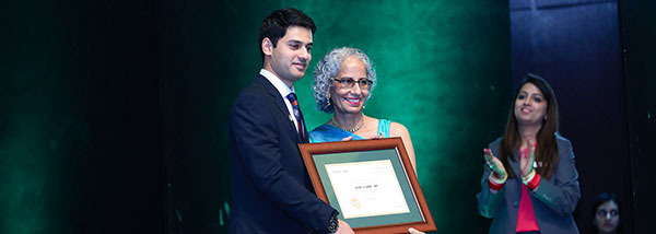 UFV student receiving scholarship award